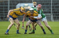 6 April 2016; Tobias O'Meara, left, and Damien O'Loughlin, Clare, in action against Finn Hourigan, Limerick. Electric Ireland Munster GAA Hurling Minor Championship, Quarter-Final, Limerick v Clare. Gaelic Grounds, Limerick. Picture credit: Diarmuid Greene / SPORTSFILE