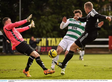 10 April 2016; Shane Clarke, Janesboro FC, in action against Paul Murphy and Lee Murphy, left, Sheriff YC. FAI Junior Cup Semi-Final, Sheriff YC v Janesboro FC. Tolka Rovers Complex, Griffith Avenue, Dublin. Picture credit: Paul Mohan / SPORTSFILE