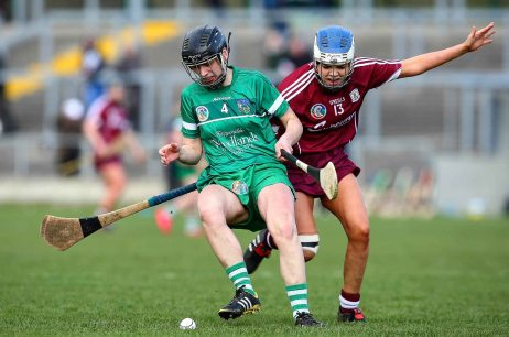 REPRO FREE***PRESS RELEASE NO REPRODUCTION FEE*** Irish Daily Star National League Division 1 Semi-Final, St. Brendan's Park, Birr, Co. Offaly 16/4/2016 Galway vs Limerick Limerick's Judith Mulcahy holds off Galway's Aoife Callanan Mandatory Credit ©INPHO/Ken Sutton