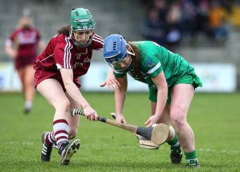 REPRO FREE***PRESS RELEASE NO REPRODUCTION FEE*** Irish Daily Star National League Division 1 Semi-Final, St. Brendan's Park, Birr, Co. Offaly 16/4/2016 Galway vs Limerick Limerick's Caoimhe Lyons in action against Galway's Siobhan Coen Mandatory Credit ©INPHO/Ken Sutton